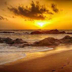 Bantota by Deep Ocean - Landscapes Sunsets & Sunrises ( sunset, sea, beach, sri lanka, rocks, bantota,  )