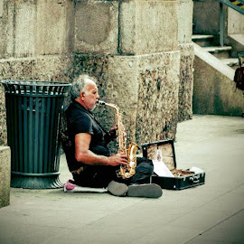 by Cristian Raifura - People Musicians & Entertainers