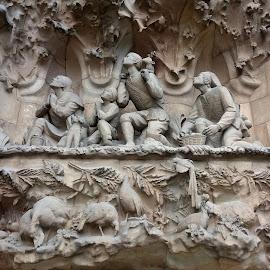 scultura in pietra nella Sagrada Familia a Barcellona by Patrizia Emiliani - Instagram & Mobile Android ( scultura, barcellona, sagrata familia, pietra )