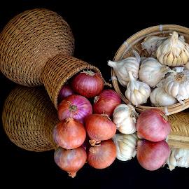 Onion Vs Garlic by Asif Bora - Food & Drink Ingredients (  )