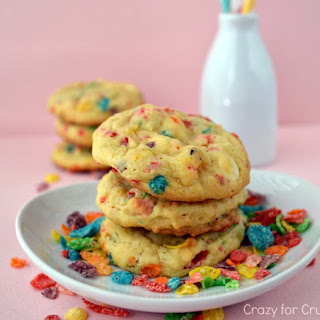 Fruity Pebble Pudding Cookies