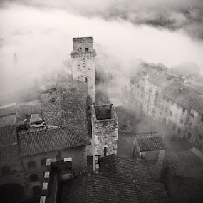 San Gimignano by Jeremy Farrance - Landscapes Travel