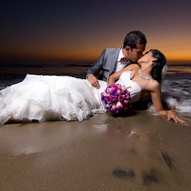 TTD  by Octavio Solórzano - Wedding Reception ( beach, trash the dress )