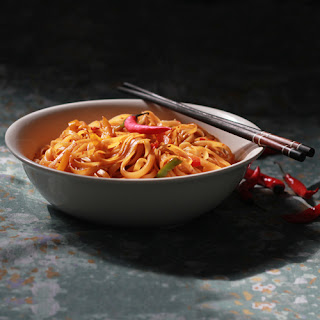 Fiery Hot Noodles with Bell Peppers