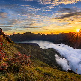 Star Burst over Sembalun Hill by Jose Hamra - Landscapes Mountains & Hills ( mountain, sunset, indonesia, sembalun, sunrise, lombok, rinjani )