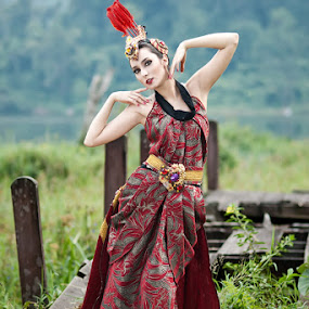 Ethnic and Beauty by Aji Patria - People Fashion