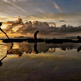 Sunset by Wahid Hasyim - People Street & Candids ( sunset, photographer, shiluette, landscapes, landscape, photo, photography )