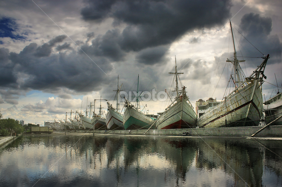 PSK by Suloara Allokendek - Transportation Boats ( port, indonesia, cloud, ships, light )