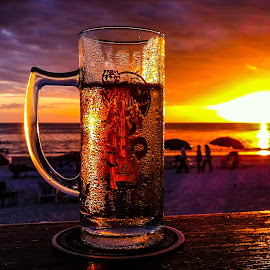 by Ralf Harimau Weinand - Food & Drink Alcohol & Drinks ( sonnenuntergang, sunset, strand, beach, langkawi, cenang )