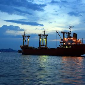 Serene by Mohd Rashidin Ideres - Transportation Other ( selatan strait, penang strait, penang, western channel, ships, terusan barat )