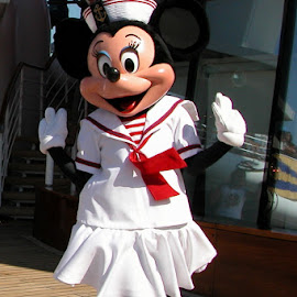 Minnie Mouse Disney Cruise by Debbie Salvesen - People Musicians & Entertainers ( dancing, vacation, mexico, family, minnie mouse, fun, disney cruise, disney, cruise,  )