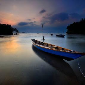 ::. Pelabuhan .:: by Ahmad Zulharmin Fariza - Transportation Boats