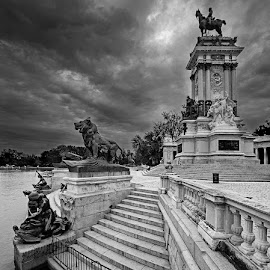 Alfonso XIII by Jomabesa Jmb - Black & White Buildings & Architecture ( alfonso xiii, el retiro, madrid, bn, lago )