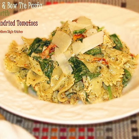 Pesto Chicken & Bow Tie Pasta with Spinach and Sundried Tomatoes