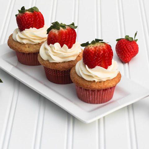 Champagne and Strawberry Cupcakes