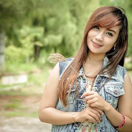 Tiwi by Aditya Japrax - People Fashion
