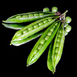 Smiling peas by Asif Bora - Food & Drink Fruits & Vegetables