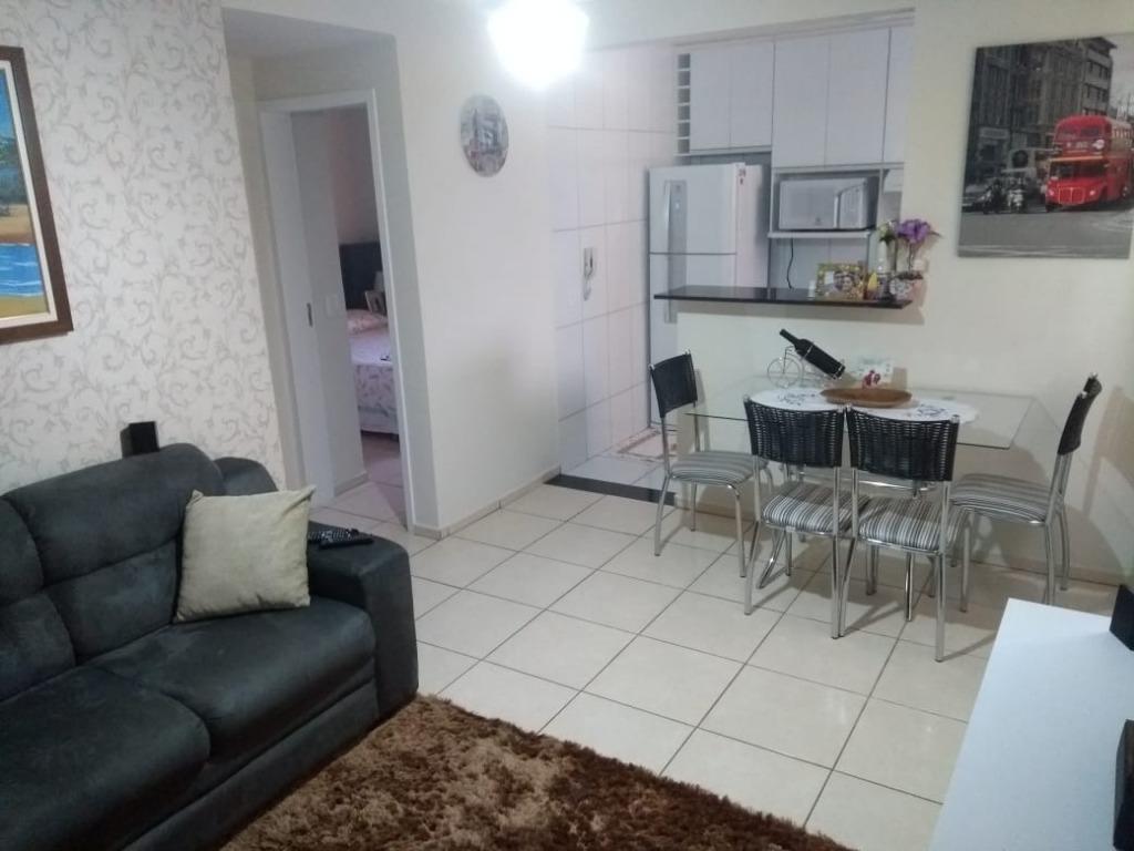 Apartamento com 2 dormitórios à venda, 49 m² por R$ 130.000,00 - Conjunto Umuarama - Uberaba/MG