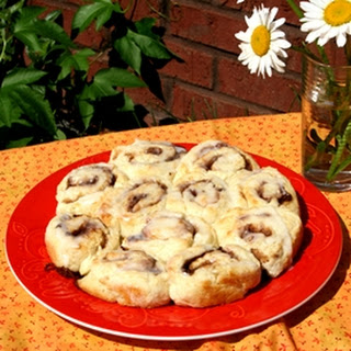 Quick and Easy Cinnamon Rolls in 20 Minutes