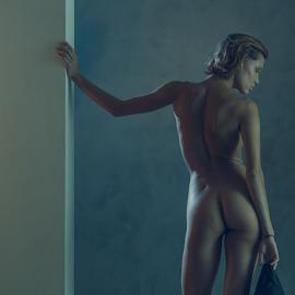 Chuchya by Dmitry Laudin - Nudes & Boudoir Artistic Nude ( studio, figure, light, nude, girl, body )