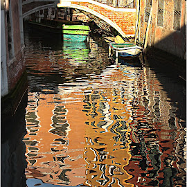 Venitian reflexion by Gérard CHATENET - City,  Street & Park  Street Scenes