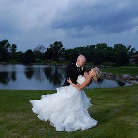 Storms rollin by Cameron  Cleland - Wedding Bride & Groom ( golf, storm, wedding, portrait, landscape, summer )