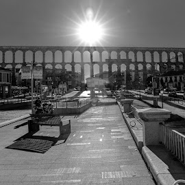 acueducto segovia contraluz by Roberto Gonzalo Romero - Buildings & Architecture Bridges & Suspended Structures ( black and white, segovia, acueducto )