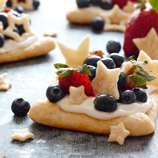 Star Struck Berry Marshmallow Pies