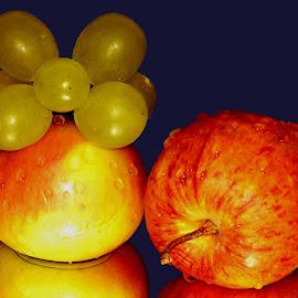 appy n grapes by SANGEETA MENA  - Food & Drink Fruits & Vegetables