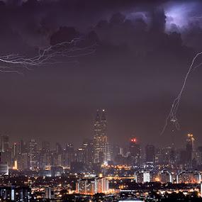 Dead lucky: 04:08:04.04+08:00 by Ishafizan Ishak - City,  Street & Park  Vistas ( amazing, klcc, lightning, storm, kuala lumpur )