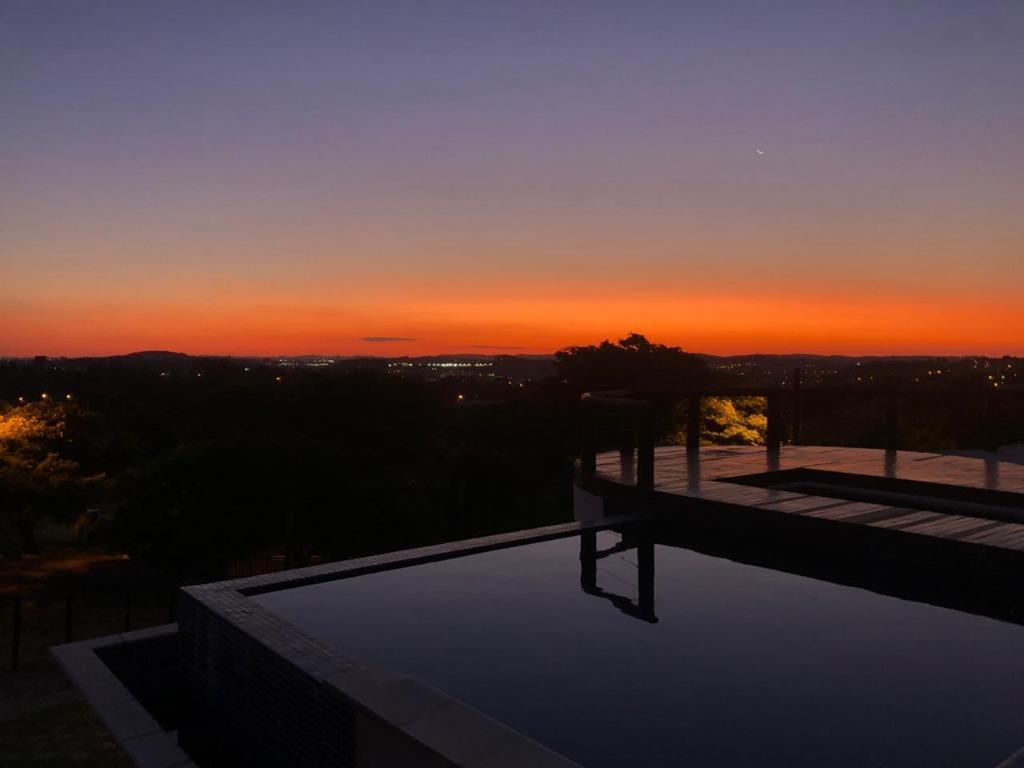 Casa, 760 m² - venda por R$ 2.400.000,00 ou aluguel por R$ 10.000,00/mês - Condomínio Jardim Primavera - Louveira/SP