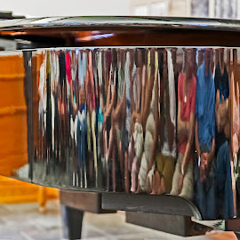 Womens and mens in a piano!!! by Réjean Côté - People Group/Corporate ( womens, piano, mens, woman, black, man, womens and mens in a piano!!! )