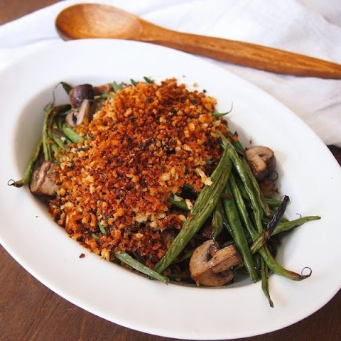 Vegan Roasted Green Beans and Mushrooms with Herbed Breadcrumbs
