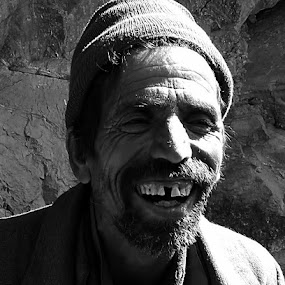 People of mountain... by Avijit Basak - People Portraits of Men ( old, mountain, cold, tooth, shadow, man )