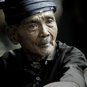 Ambe by Hernan Halim - People Portraits of Men ( human interest, men, people, kajang )