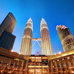 Petronas Twin Towers by Nadly Aizat Nudri - Buildings & Architecture Other Exteriors ( klcc, suria, petronas, twin towers, lake, malaysia )
