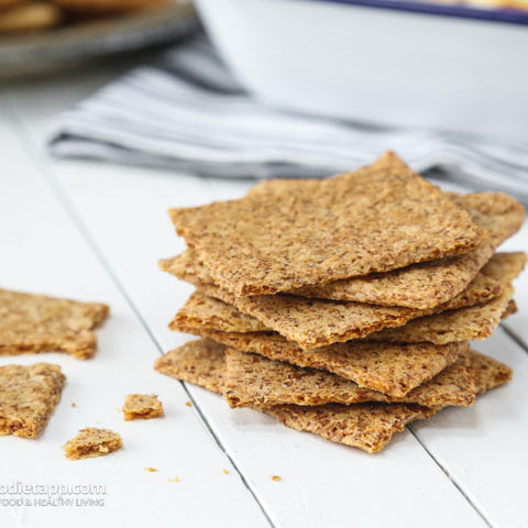 Keto Cheesy Party Crackers