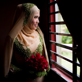 Waiting for the groom by RiNeo aFnIzAn - Wedding Bride ( wedding, malay, nikah )
