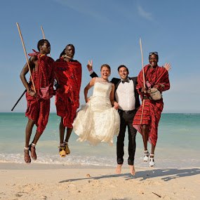 Beach Massai by Andrew Morgan - Wedding Groups ( happy, wedding, sea, beach, paradise, jump, massai )