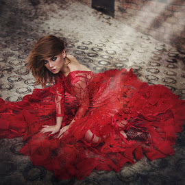 Lady In Red by Mdnoh Mnj - People Fashion