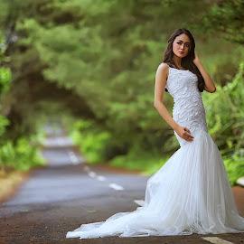 by Arjuna Jodhie - People Fashion ( #bridal #bokeh #street #model #beauty )