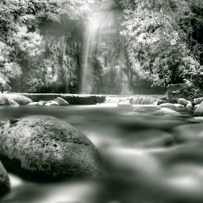 Tasek Lama by Mohamad Sa'at Haji Mokim - Nature Up Close Rock & Stone ( water, stone )