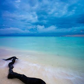 Derawan by Edo Kurniawan - Landscapes Waterscapes
