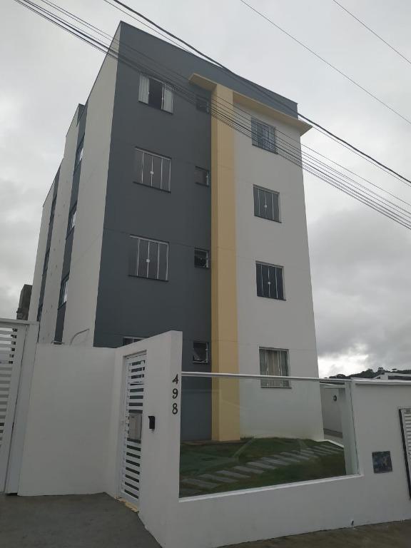 Apartamento com 2 dormitórios à venda, 55 m² por R$ 175.000 - Floresta - Joinville/SC