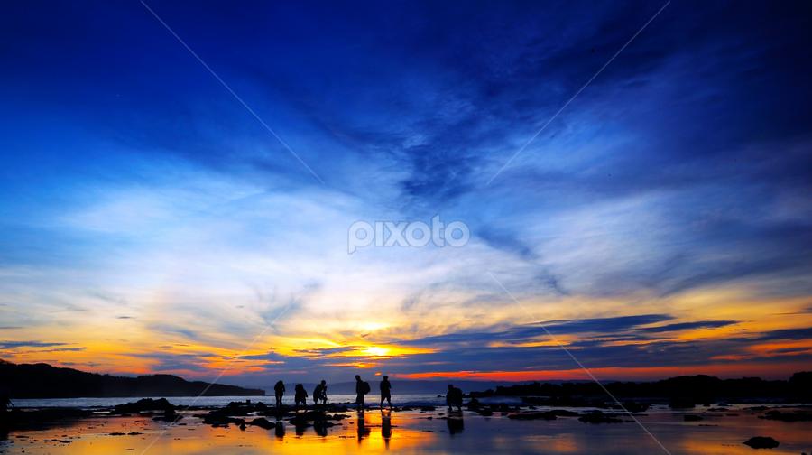 Waiting for sunrise 2  by Henry Pribadi - Landscapes Travel ( landscaper, waiting for sunrise, photographer, beach, sunrise, landscape )