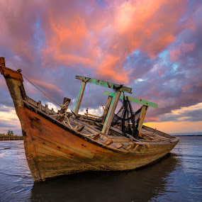 by Esmar Abdul Hamid - Transportation Boats