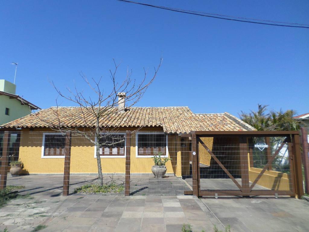 Casa junto à Barra, praia e Lago do Braço Morto, Centro, Imb