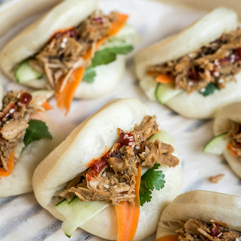 Chinese Pulled Pork Steamed Buns (Bao Buns)