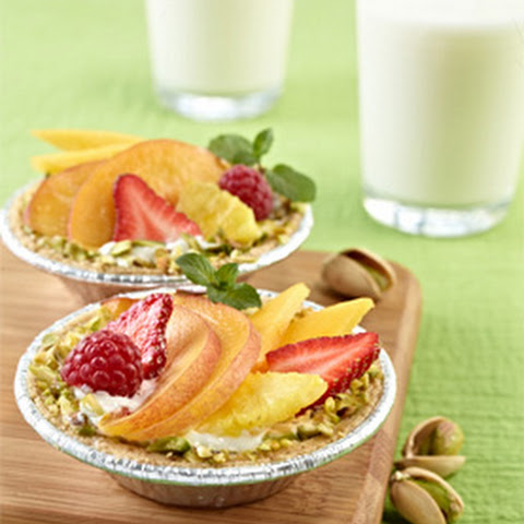 "Fruit Tartlets & ""Pistachiogurt"""