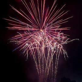 Red Star by Madhujith Venkatakrishna - Abstract Fire & Fireworks